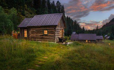 Echo Cabin
